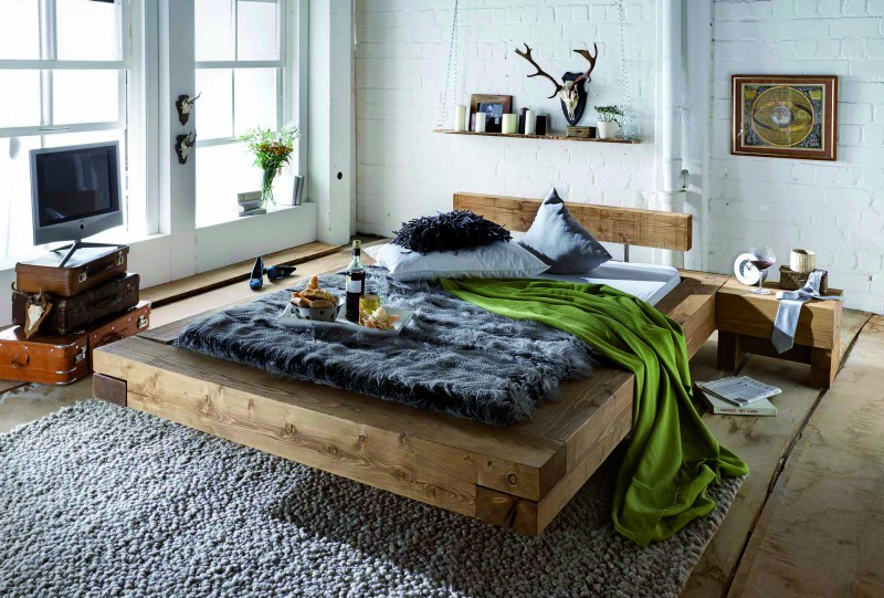 sc koks rustikales massivholzbett chalet brus nordische kiefer fichte grau gewachst betten. Black Bedroom Furniture Sets. Home Design Ideas